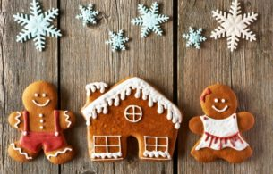 Gingerbread Family And House